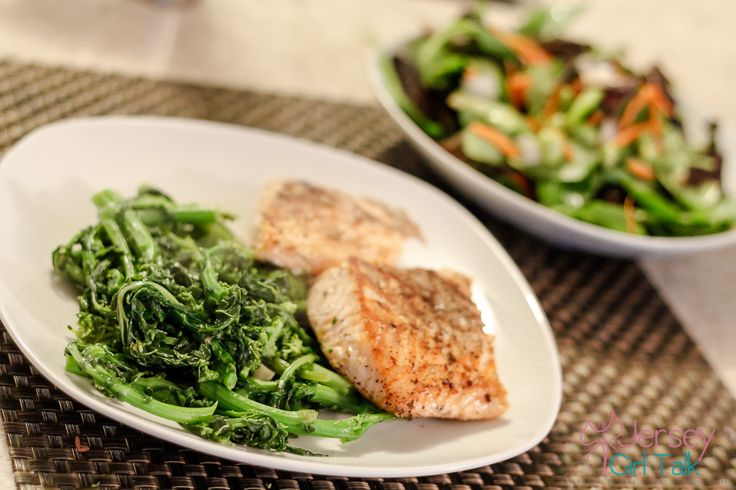 Shredding Diet for the Summer for Women - Current Daily Meal Plan Ideas. This is helpful when looking to stick to lean meats, healthy fats and good carbs. Plain and simple for on the go!