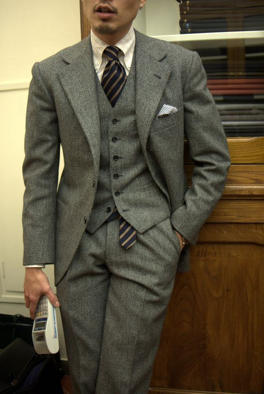 Really nice suit.