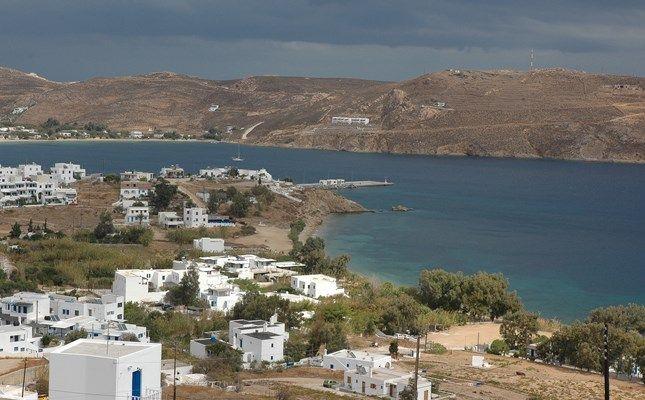 Τα Λιβαδάκια, παραλιακός οικισμός με όμορφη αμμουδιά! #serifos #travel #greece #cyclades #island http://diakopes.in.gr/afieromata/dutikeskyklades/article/?aid=208338