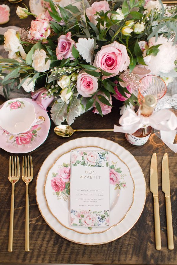 Floral tablescape: http://www.stylemepretty.com/living/2017/03/03/insider-tips-for-pulling-off-the-best-ever-dinner-party/ Photography: Artiese Studio - http://www.artiesestudios.com/