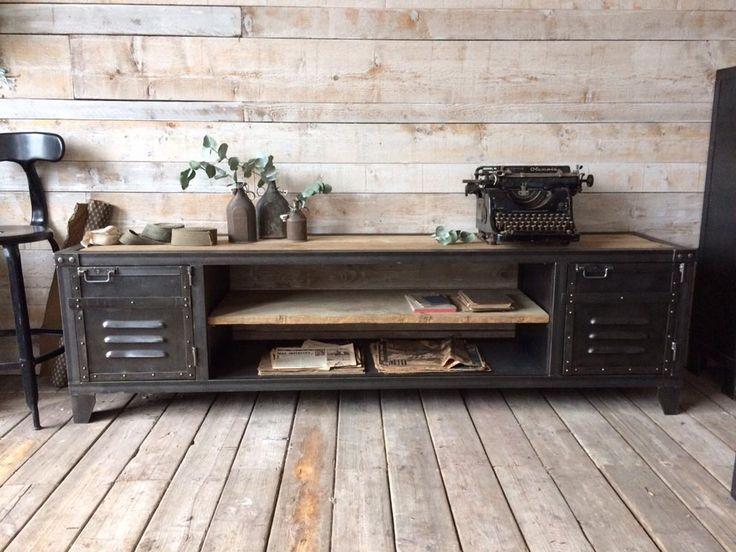 Les 30 meilleures images du tableau mur tv sur pinterest meubles industriels meuble tv - Meuble tv casier industriel ...