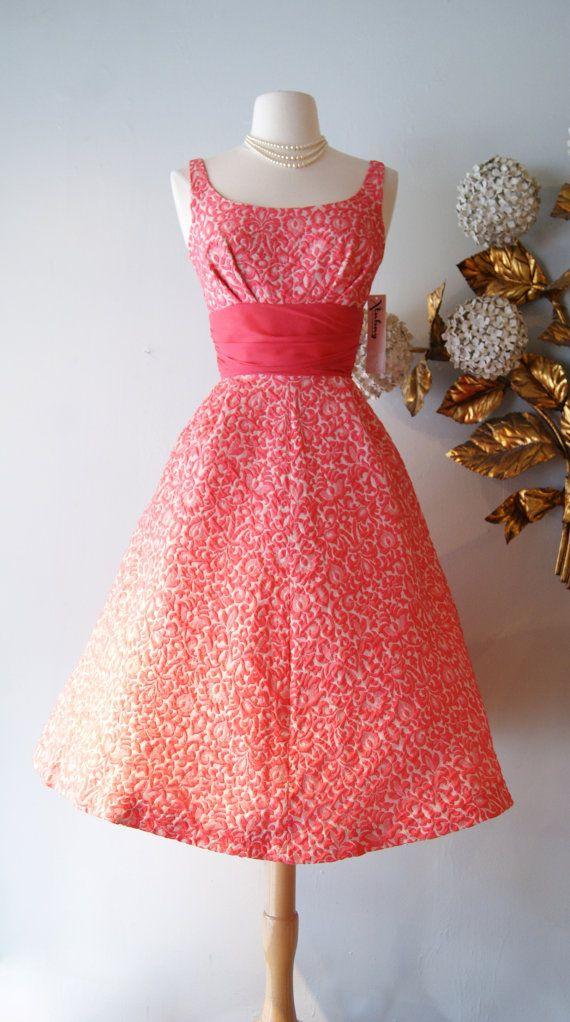 robe des années 1950 / flamant rose de Vintage 50 s Lipman robe de brocard