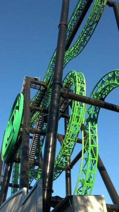 Green Lantern @ Six Flags Magic Mountain - Valencia, CA (spinning coaster).