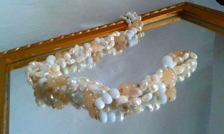 """""""L'eleganza non è farsi notare, ma farsi ricordare."""" Handmade necklace Holghina Creazioni"""