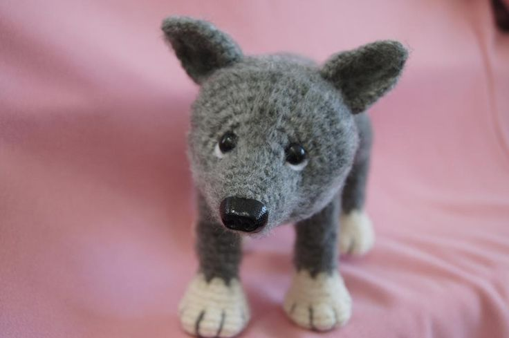 (4) Name: 'Crocheting : Young wolf