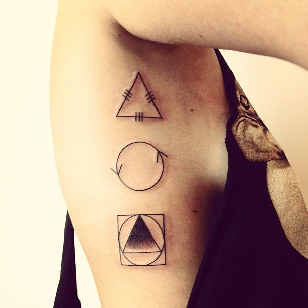 symbole : 2 spirit tattoo blackwork by Matt Matik