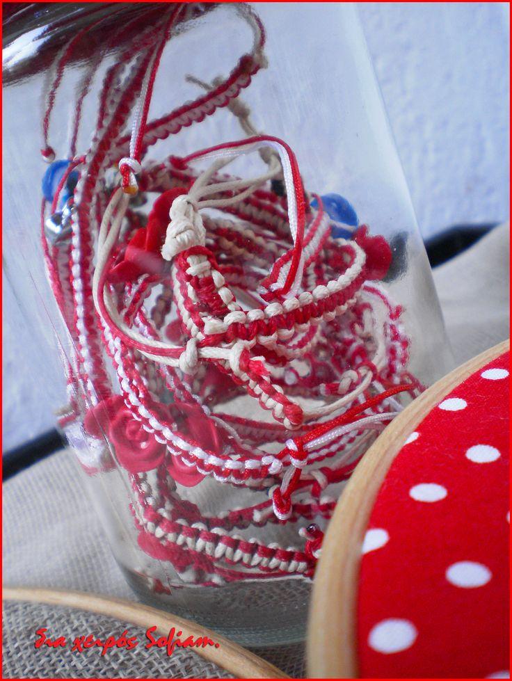 *Το έθιμο του «Μάρτη» με ρίζες στα Ελευσίνια μυστήρια είναι διαδεδομένο κυρίως στην περιοχή των Βαλκανίων όπου καθ' όλη τη διάρκεια του μήνα φορούν βραχιόλι φτιαγμένο από άσπρη και κόκκινη κλωστή για να μην καούν από τον ήλιο και όταν το βγάλουν το κρεμούν σε ένα κλαδί τριανταφυλλιάς ως ένδειξη ότι τα μάγουλά τους κοκκίνισαν.