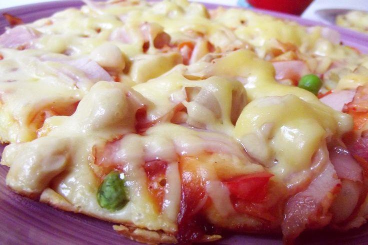 Pizza rapidă la tigaie ~ Bucate, vorbe şi arome