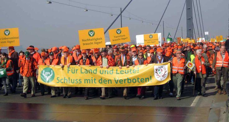 Niemieccy myśliwi wykazują wielką determinację w walce przeciw zmianom w prawie, które utrudniłyby uprawianie łowiectwa.
