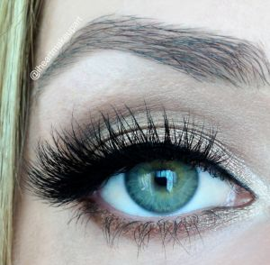 How to wear eyeshadow with eyelash extensions!