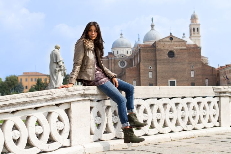 Flaminia in Prato della Valle in Padova, with Apepazza boots