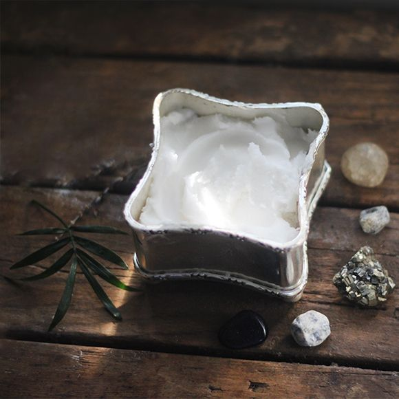UPDATE: This post originally ran on May 7th, but this all natural beauty DIY is too good not to share again! My mind is blown. If you've been on the hunt for a natural deodorant and have had little success thus far, this recipe may just change your life. It's totally natural, and it's made