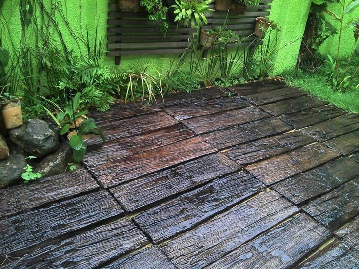 piso cimenticio imitação de dormente http://oazulejista.blogspot.com.br/2014/01/borda-de-piscinapiso-e-revestimento.html
