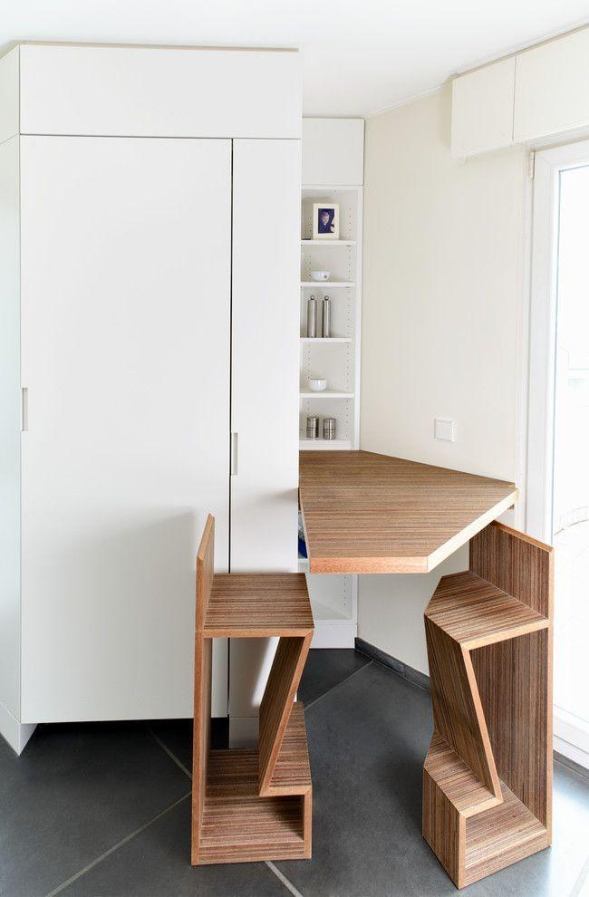Раскладные столы для маленькой кухни: как оптимизировать кухонное пространство и обзор наиболее удобных современных моделей http://happymodern.ru/kuxonnye-stoly-raskladnye-dlya-malenkoj-kuxni/ Простое, но оригинальное обеденное место: откидной стол и высокие стулья с подставкой для ног Смотри больше http://happymodern.ru/kuxonnye-stoly-raskladnye-dlya-malenkoj-kuxni/