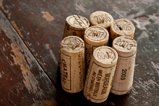 Do you know which Bordeaux fine wines to keep and which are ready for drinking?