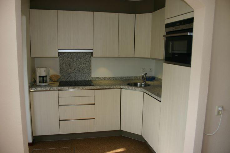 Kleine hoekkeuken met houtstructuur staats keukens berkel enschot pinterest houtstructuur - Kleine hoekkeuken ...