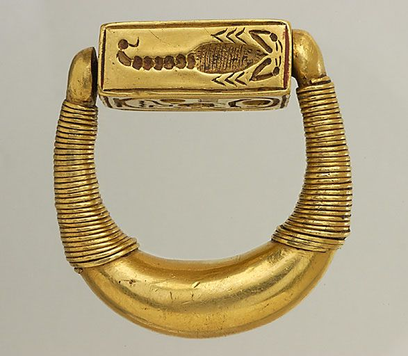 Scorpion. Signet ring of Horemheb, the last pharaoh of the 18th Dynasty of…