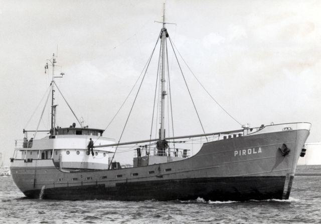 PIROLA Bouwjaar 1953, imonummer 5279319, grt 488 Eigenaar Rederij Pirola, Delfzijl  http://vervlogentijden.blogspot.nl/2016/07/elke-dag-een-nederlands-schip-uit-het_25.html