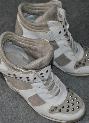 Kupuj mé předměty na #vinted http://www.vinted.cz/damske-boty/platformy/9027970-bielo-sive-tenisky-na-platforme