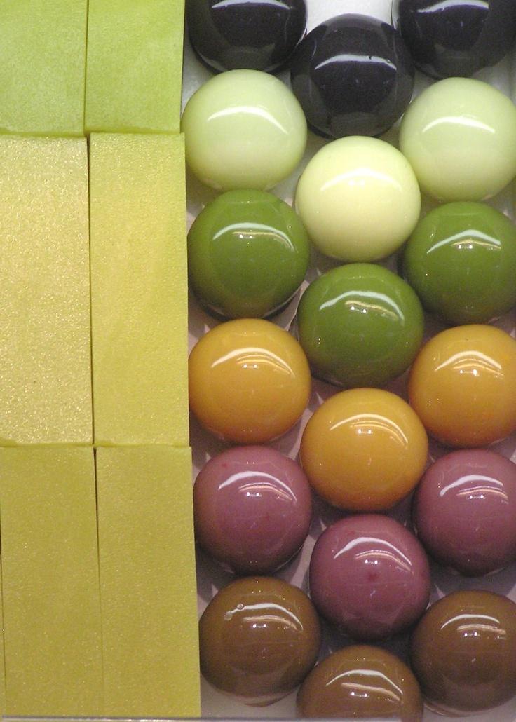 Japanese sweets, jelly balls and imo (sweet potato) yokan あんこ玉と芋ようかん