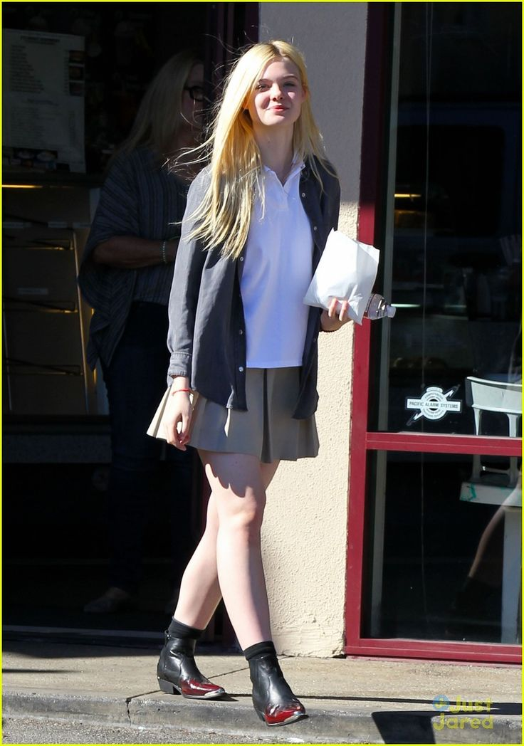 elle fanning sugar rush 05, Elle Fanning picks up a yummy, sugary treat on Tuesday afternoon (November 13) in North Hollywood, Calif.    The 14-year-old actress stopped by K's Donut Emporium…