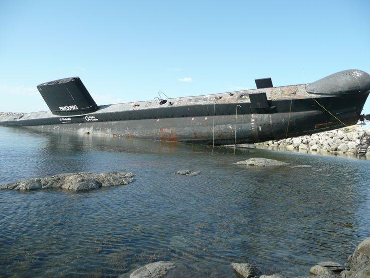 Septembre 2008, HMCS Onondaga (Oberonclass) tumbles off