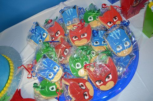 The Glamorous Life of a Housewife: PJ Masks Party!