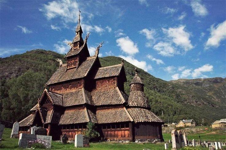 Ставкирка в Боргунне, Норвегия Одна из самых древних сохранившихся каркасных церквей. Датируется между 1180 и 1250 годами