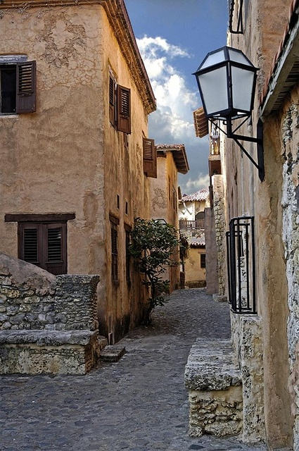 Cobble stone streets of Altos de Chavon in La Romana, Dominican Republic.  I WENT TO STUDY THERE!!! THE BEST EXPERIENCE EVER!!! gorgeous and magic placeeeeee
