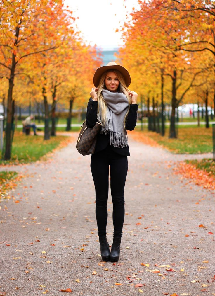 Perfect mix of New England Fall and sunny California style :)  Love this look!!
