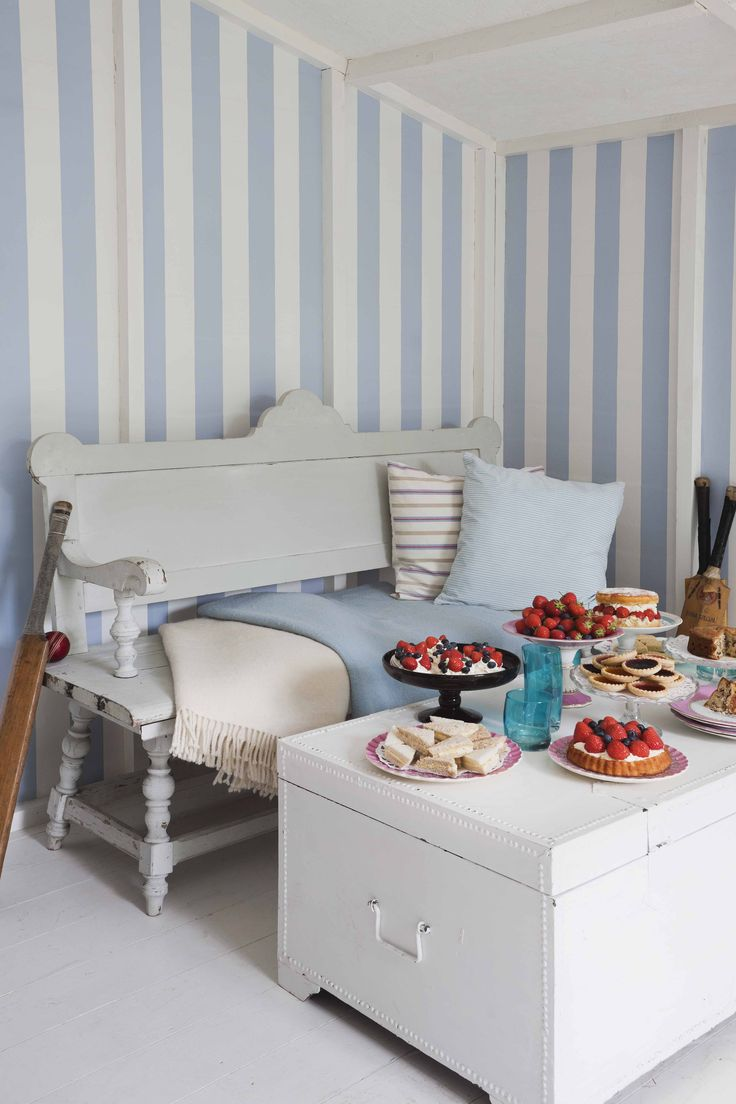 Wallcovering from Cole & Son,  Festival Stripes, Goodrich