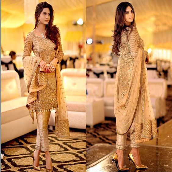 """Gorgeous Pakistani outfit @humakhanofficial in Allechant ✨⭐️"":"