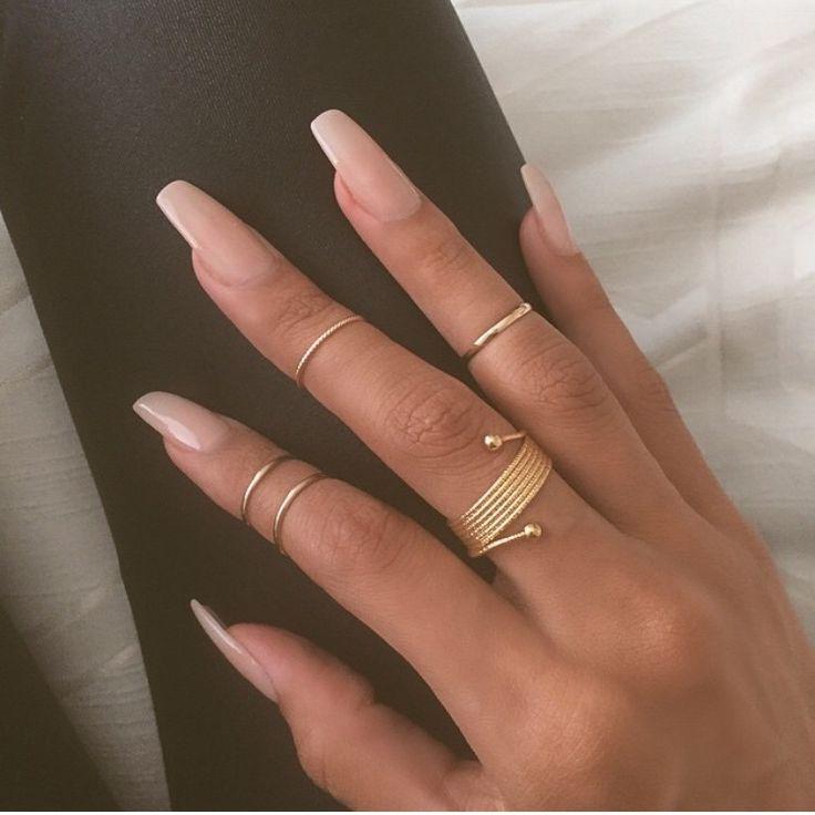 Coffin nails, Essie- bride to be