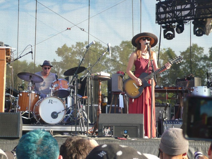 Feist put on a gorgeous, relaxing show as the sun went down at Bonnaroo.