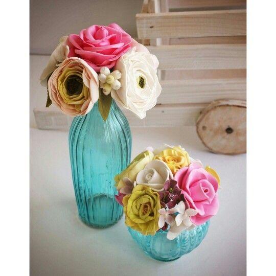 Композиция из цветов из фоамирана