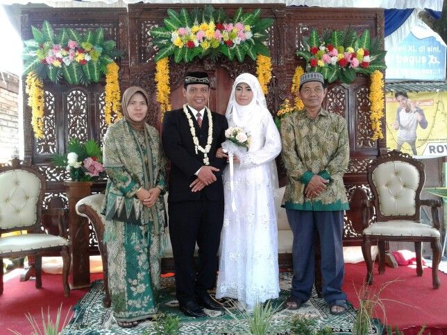 With abah ibuk