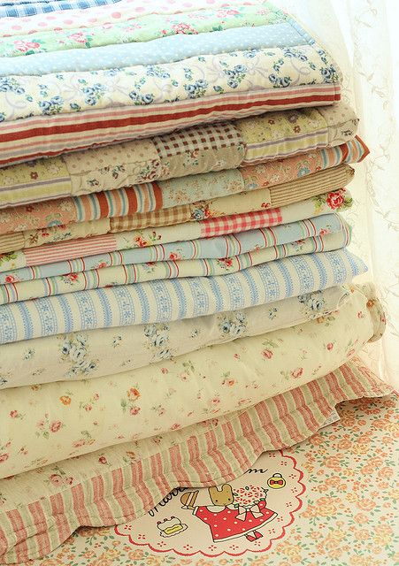 226 best i love iron beds and quilts images on pinterest for Tissu shabby chic