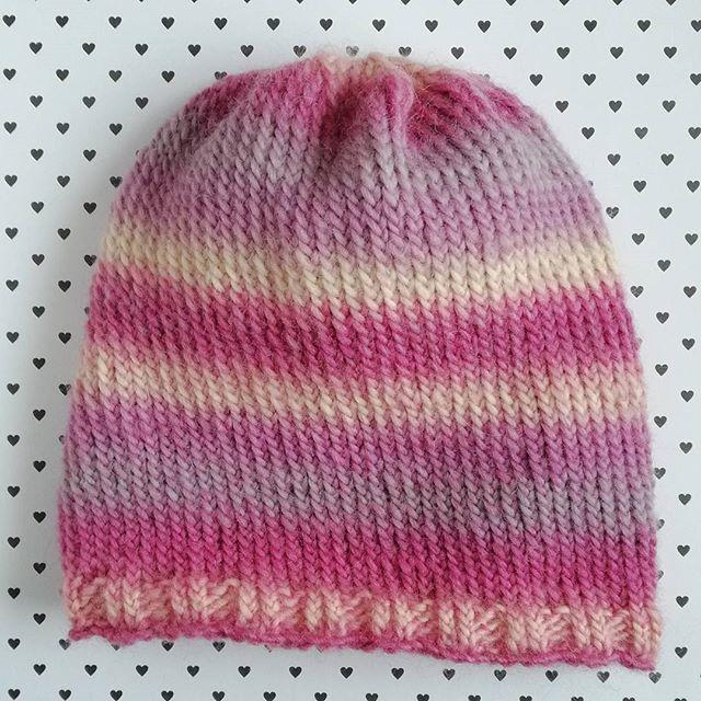 Czapka z włóczki #bigdelight dla @katavii zrobiona :) #czapka #różanyogród #knittedbeanie #knitting #winter #beanie #hat #weareknitters #yarn #dropsyarn #dropsbigdelight #wool #igknitters #shareyourknits #instaknitters #knitting_inspiration