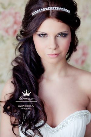 Wedding hairstyles with overhead strands woven into the hair with a rim