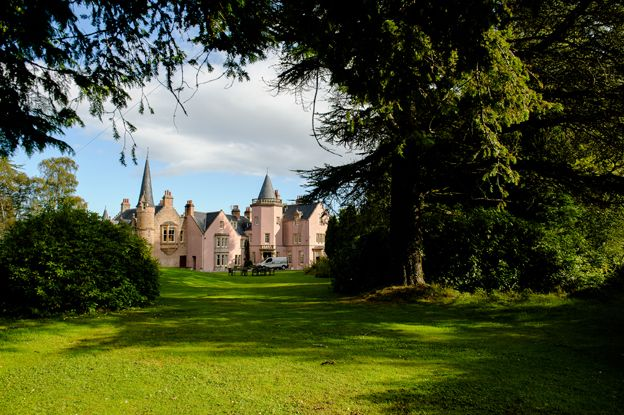 Beautiful Bunchrew House in Inverness