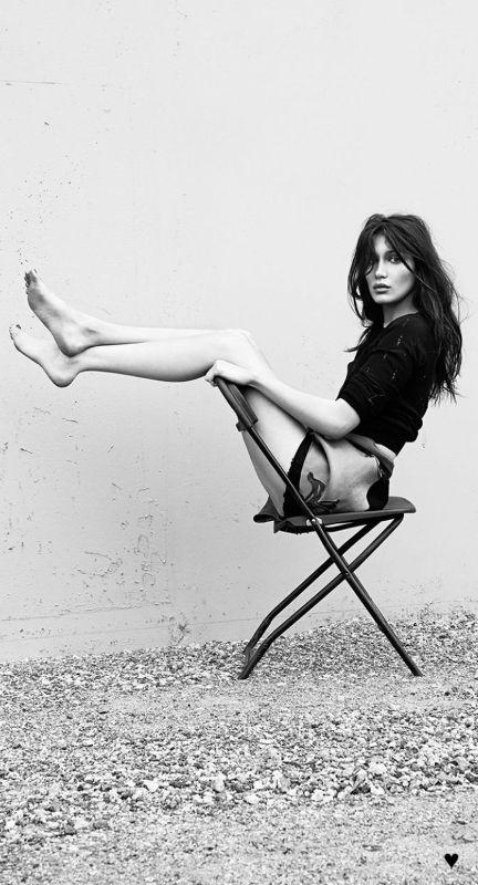 Bella Hadid ♥                                                                                                                                                                                 More