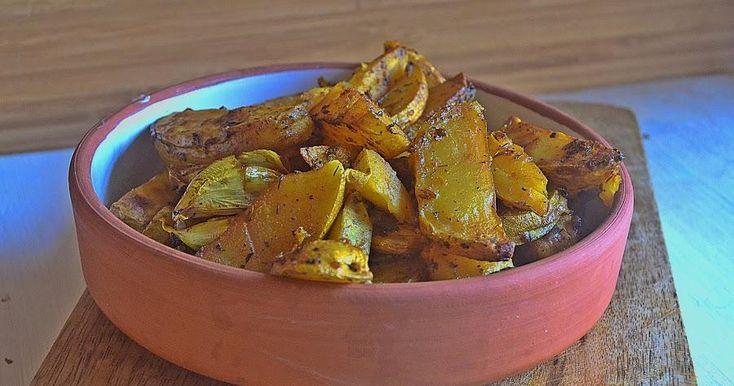 Una guarnición perfecta para acompañar tus platos de carne o pescado. Unas patatas que quedan jugosas y con mucho sabor por las especias que llevan.