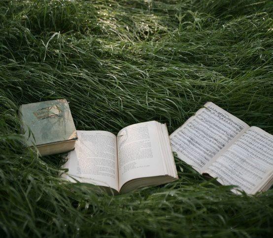 Kto czyta książki, żyje podwójnie. - mojadziewczyna.net