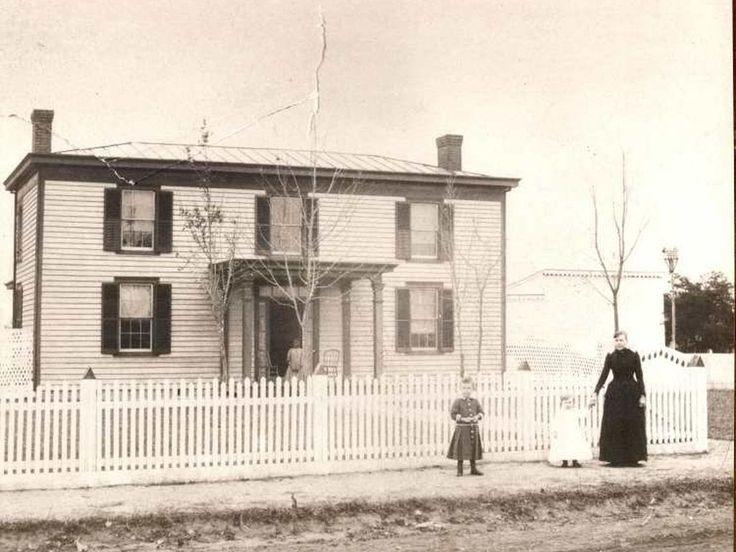 329 N Main St, Bowling Green, VA *1847.