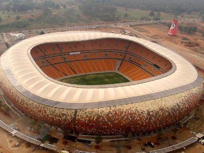 First National Bank Stadium, Johannesburg A Johannesburg si trova il FNB Stadium, conosciuto anche come Soccer City, che può ospitare 95.000 persone.
