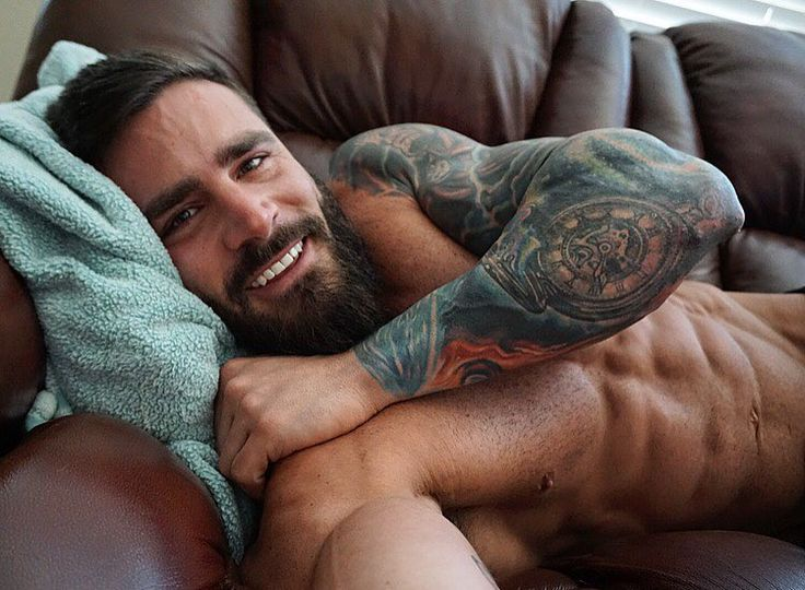 "thatbeardmoment: "" parker_physique For those who loves a straight muscle man. """