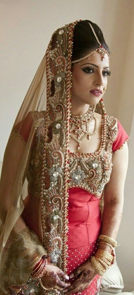 Indian Way Of Bride Make Up