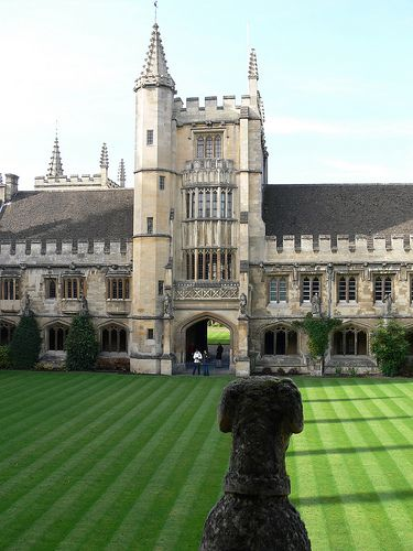 Magdalen College, Oxford.. Did you know they filmed parts of the Harry Potter movies in Oxford?! ermagersh