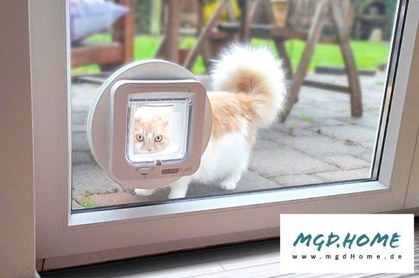 Chipgesteuerte High-Tech Katzenklappe in Glastür / Balkontür / Terrassentür eingebaut - Isolierglas