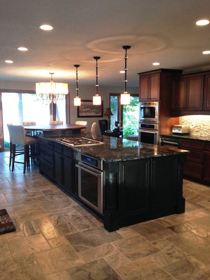 2012 Shorewood kitchen after island